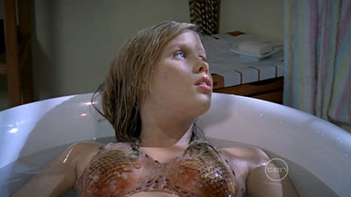 http://h2o-just-add-water.narod.ru/pic/episode/H2O.Just.Add.Water.S02E1739.jpg